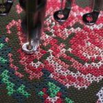 Винтажная вышивка крестиком в процессе