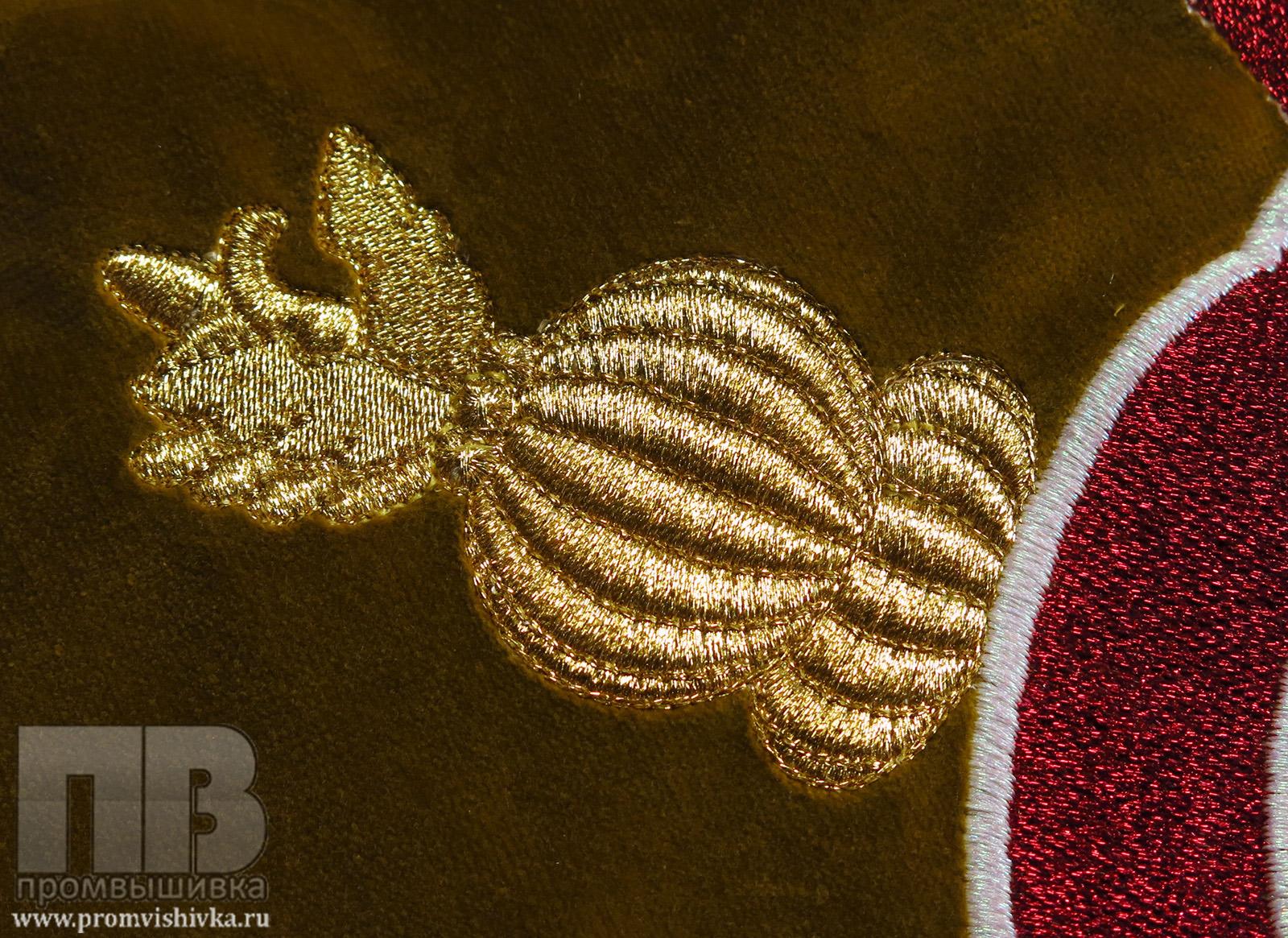 Бархат с золотой вышивкой