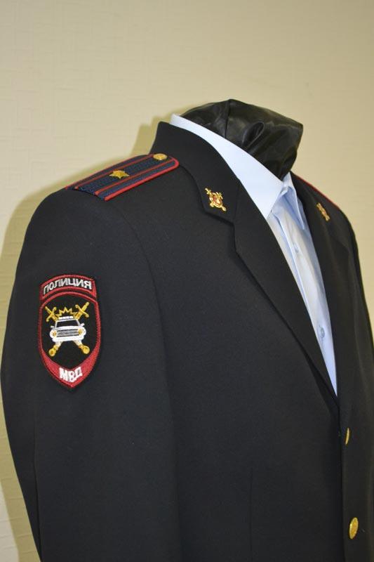 Расположение на кителе полиции